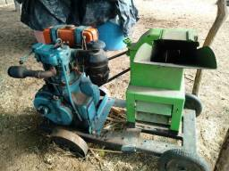 Motor Agrale M90 mais base e forrageira Gremasco DP1