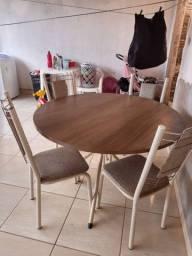 Vendo mesa 4 cadeiras 120X120cm