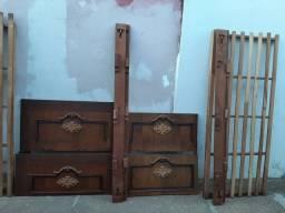 Par de camas viuva em madeira R$250,00 as duas