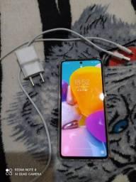 Vendo um a71 ótimo celular, novo novo, só no ponto de colocar o chip e usa o aparelho