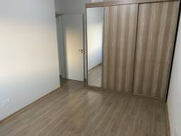 Apartamento semi-mobiliado para Locação