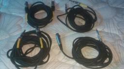 Microfone e cabos