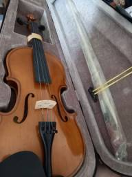 Violino novo, nunca usado, pronto para vibrar