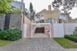 Título do anúncio: Sobrado tríplex com 3 quartos sendo 1 suíte no bairro Bom Retiro