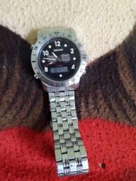 Vendo esse relógio ou troco