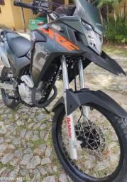 Moto XRE 300 ABS 2021 com 950 km