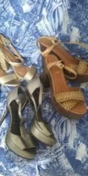 Um lote com 22 pares de calçados feminino