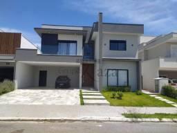 Casa / Condomínio - Jardim do Golfe