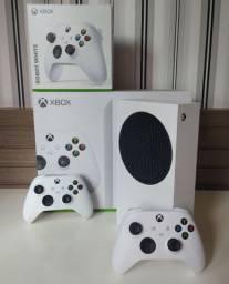 Xbox SERIES S com DOIS controles da NOVA GERAÇÃO