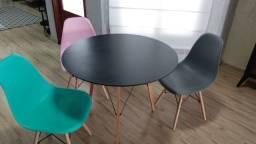 Mesa de jantar com 3 cadeiras vendemos mesa separada