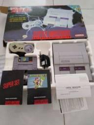 Super Nintendo na caixa completo