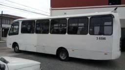 Micro o ônibus buscar ano 2008 com motor Cummins com 24 lugares