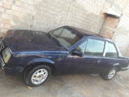 Vendo um carro - 1990