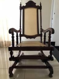 Cadeira de Balanço Antiga - Relíquia - Oportunidade