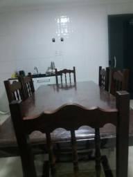 Mesa e cadeiras de Sucupira