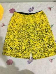 Shorts NOVO 25,00 cada