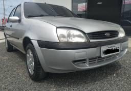 Ford Fiesta 2001 com apenas 100,000 kms
