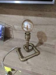 Luminária Retrô ( Lâmpada grátis )