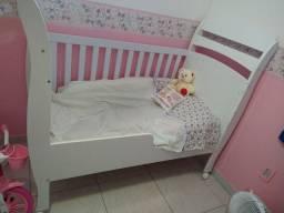 Berço multifuncional que vira mini cama + colchão