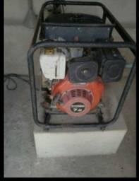 Gerador a Disel voltagem  220w/ 4.5 KVA