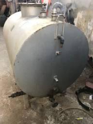 Vendo tanque de aço