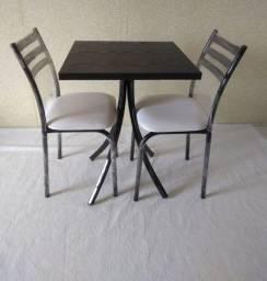 Mesa moderna para ambientes compactos