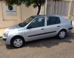 Clio Sedan 1.6 Pneu/Bateria Novos
