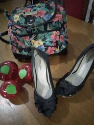 Sapatos novos e pouco usados