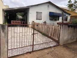 Casa com 2 dormitórios à venda, 170 m² por R$ 150.000,00 - Conjunto Habitacional Milton Lu
