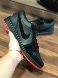 Tênis Nike Air Jordan low - $200,00