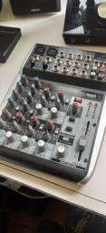 Mesa de som Behringer Xenyx Q1002Usb
