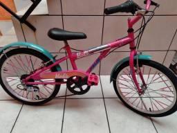 Bicicleta Caloi Barbie com marchas