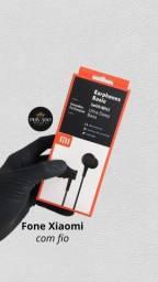 Fones Xiaomi com fio - Possui microfone e ótimos graves