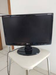Monitor LG flatron w1943c usado