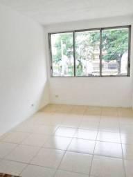 LP* Sala comercial de 22m² para alugar no Centro de Taubaté/SP