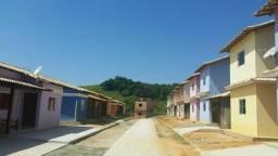 Casa duplex nova, semi acabada em Saquarema.