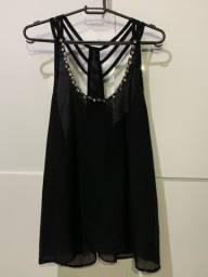 Blusa de alcinha preta com aplicações