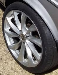 Rodas 17 com pneus 205 40