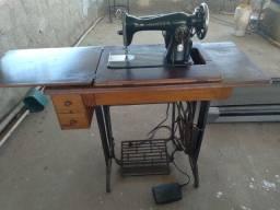 Título do anúncio: Vendo Máquina de Costura Elétrica Singer