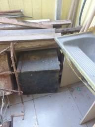 Caicha para gardar feramenta