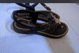sandálias infantis menina original semi novasTamanhos 25 e 26.