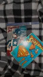 Quadros decorativos Superman e Capitão América.
