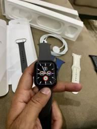 Apple Watch série 4 de 44 mm, em ótimo estado, com pulseiras extras?