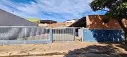 Título do anúncio: Alugo ou vendo- Barracão com pátio grande, no Jd. Novo Bongiovani em P. Prudente- SP