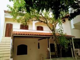 Excelente casa com piscina e ampla área livre