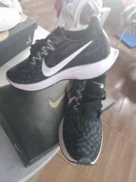 Tênis Nike Pegasus 36