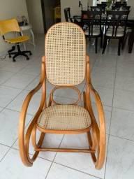 Vendo Cadeira de Balanço Gerdau Semi-Nova