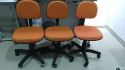 Cadeira com roda para costura ou escritorio
