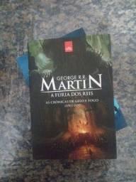 Livro n°2 de As Crônicas de Gelo e Fogo.