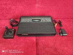 Atari 2600 Bem Conservado Funcionando Perfeitamente